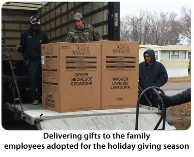 holidaygiving2014-400